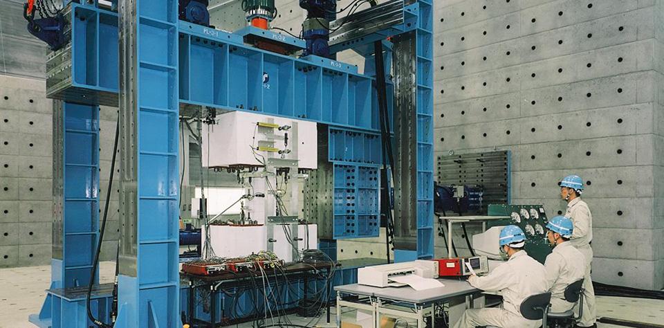 構造実験設備・試験機器